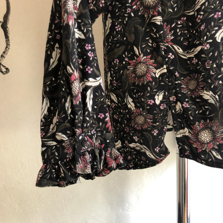 lady's floral pattern frill tops