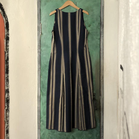 lady's stripe pattern flare one-piece