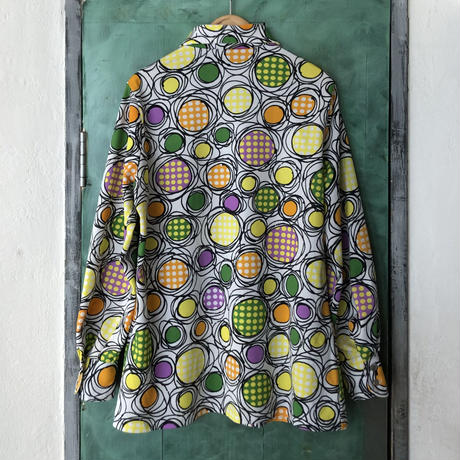 lady's 1970's vintage colorful  patterned blouse