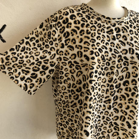 lady's patterned tops