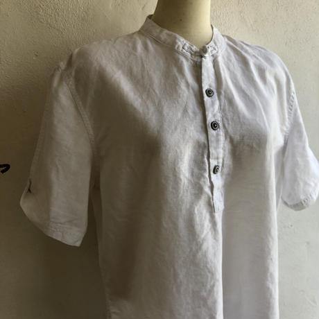lady's china design button tops
