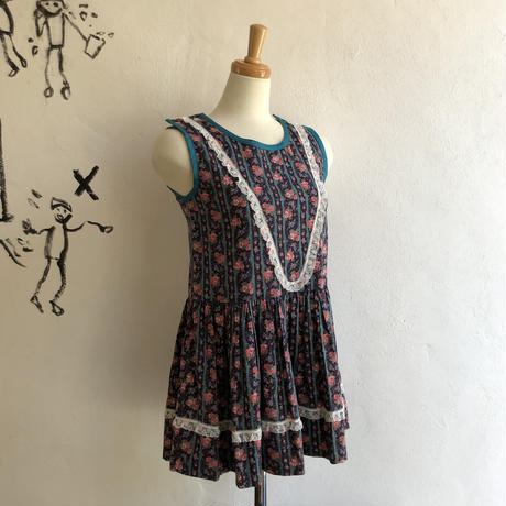 lady's floral pattern&lace design tops
