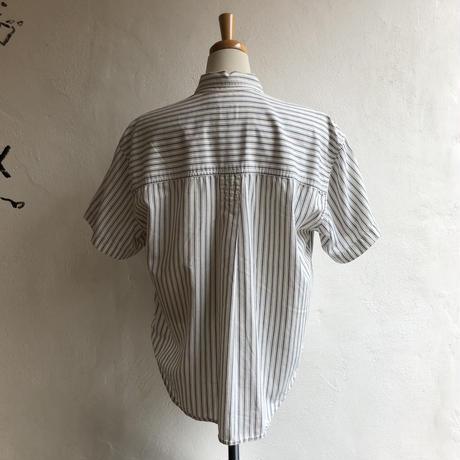 lady's stripe pattern blouse