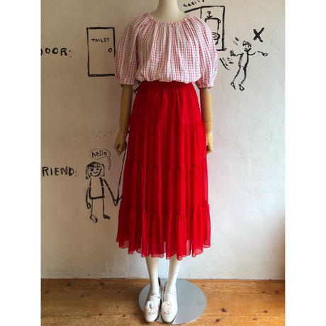 lady's line embroidery smock tops
