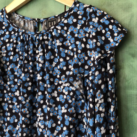 lady's floral pattern ruffle top
