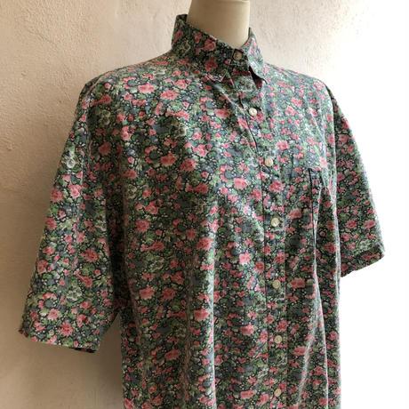 lady's floral pattern blouse