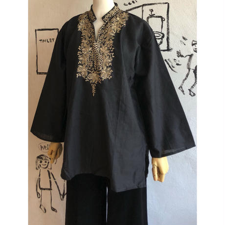lady's embroidery front open neck top