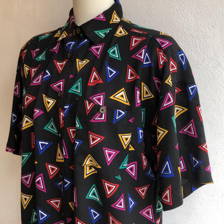 lady's neon color triangle pattern blouse