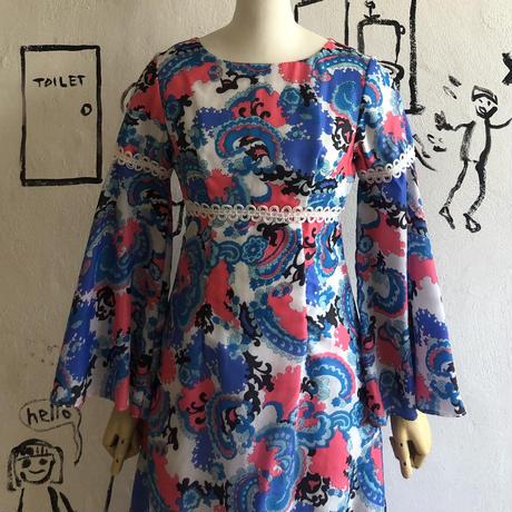 lady's 1970's vintage dress