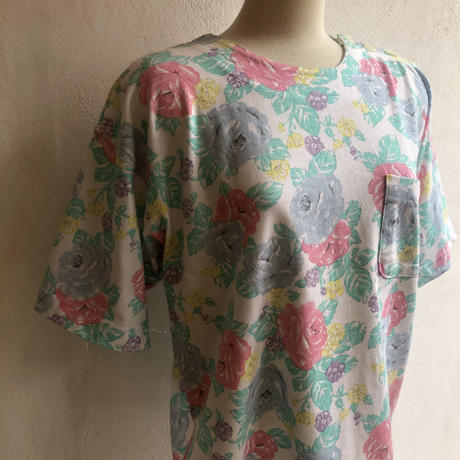 lady's floral pattern Tshirt