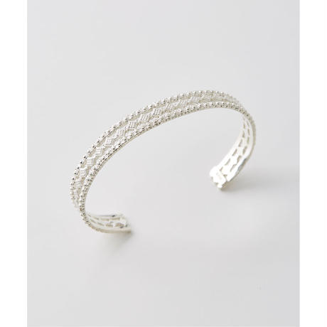 JUHA : LACE BANGLE