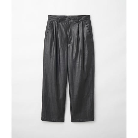 JUHA : SYNTHETIC LEATHER TAPERED PANTS