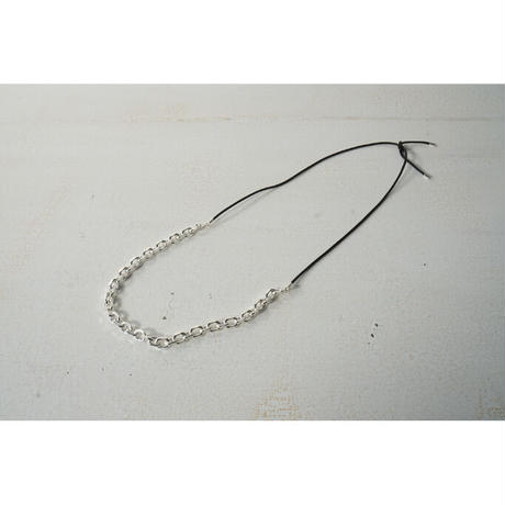 JANE SMITH : CHAIN LEATHER STRAP NECKLACE