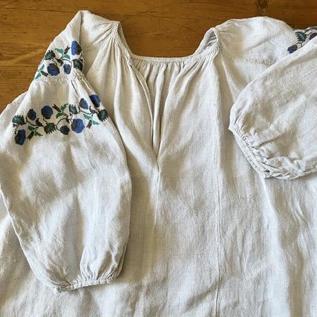 ウクライナ民族衣装22 (ブルーの野苺)