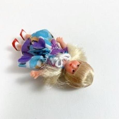 ARI 51・ミニ花柄ワンピの女の子