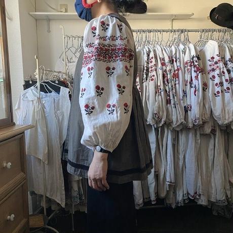 ウクライナの民族衣装・ベスト3(ブラウン系)