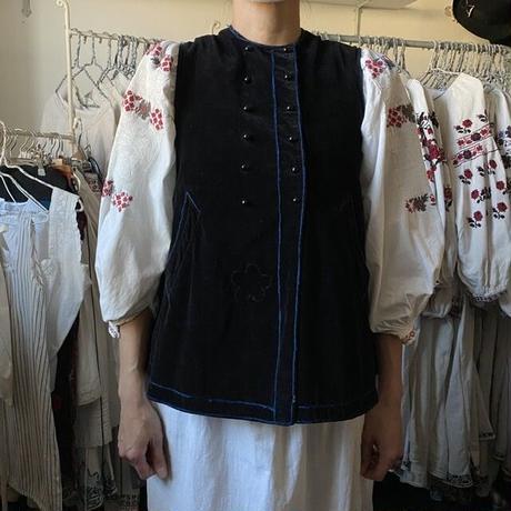 ウクライナの民族衣装・ベスト4(ビロード)