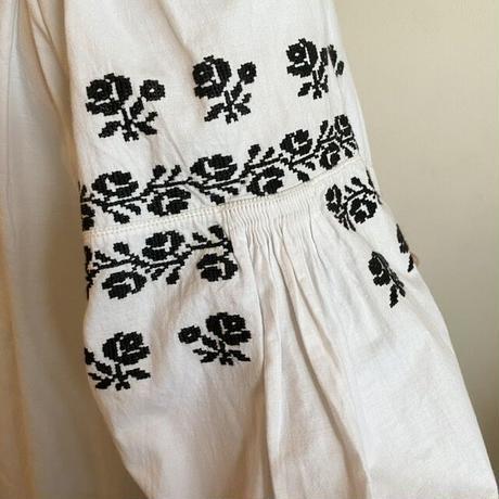 ウクライナ民族衣装8 (黒)