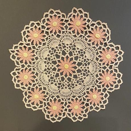 お花の手編みドイリー