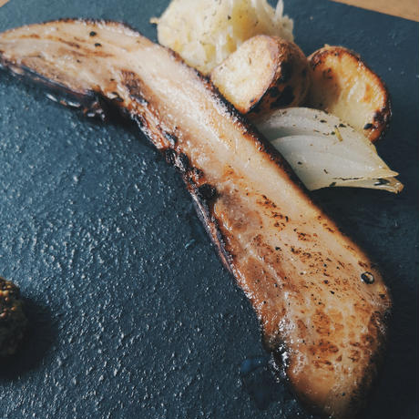 国産豚バラ肉の自家製ベーコン (250g)
