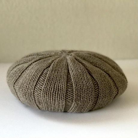 Pureカシミヤのニットベレー帽 Beige