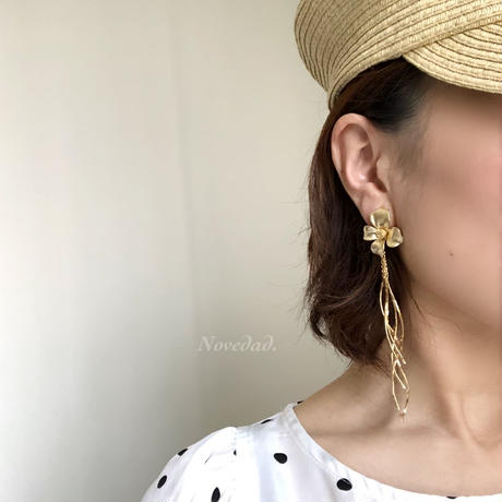 wave tassel Flower  pierce/earring