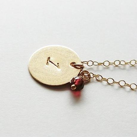 数字(ナンバー)プレートネックレスに天然石を添えて