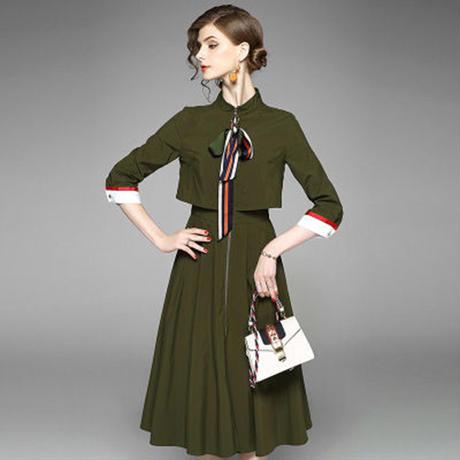 個性をアピール ヴィンテージ風ミモレ丈ワンピースドレス