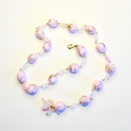 春色ピンクの手作りビーズで作ったネックレスとピアスのセット