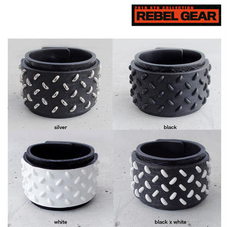 CHECKER PLATE studs leather bracelet