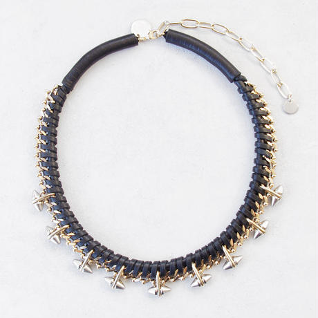SPIKE & leather short  necklace
