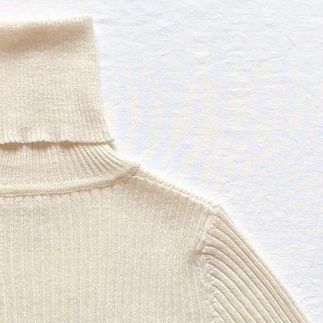 アルパカコットンリブタートルセーター