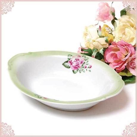■薔薇の食器Lindy(リンディ)ジャルダン カレー皿【楕円皿 エンボス模様 バラ 薔薇 花柄 薔薇雑貨 深皿 ローズ カントリー】