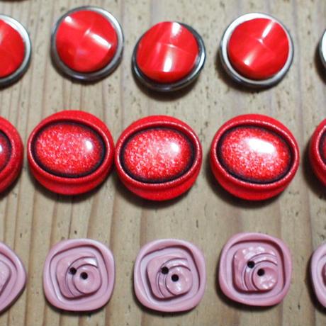 ボタン赤1