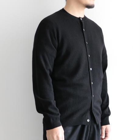 糸衣itoi/カシミヤクルーネックカーディガン(Men's,Black)
