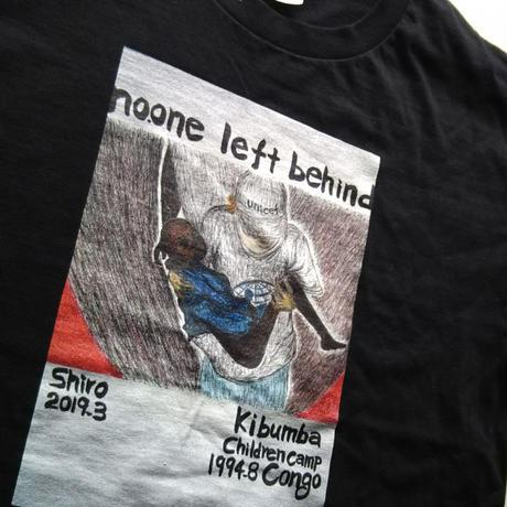 【No one left behind】365日の1日を。メッセージを運ぶTシャツ【大津司郎のアフリカ目撃】【黒】