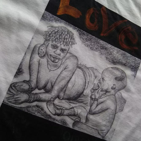 【Love】365日の1日を。メッセージを運ぶTシャツ【大津司郎のアフリカ目撃】【白】