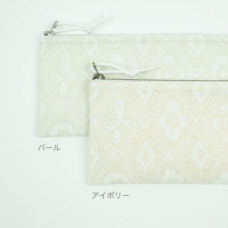 pouch 185F アイボリー×白