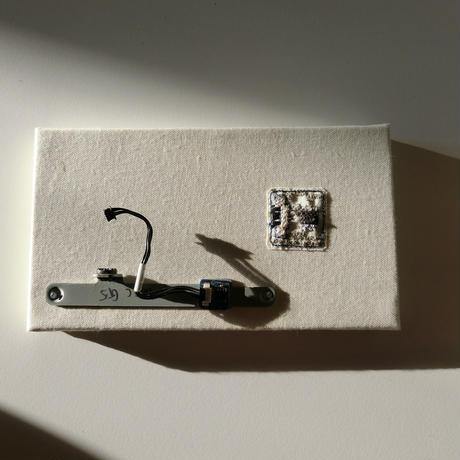 基板刺繍 Circuitboard for iMac G5/ 刺繍する犬
