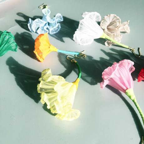 むくり  /  一輪の花ピアス LIGHT BLUE|3-Type