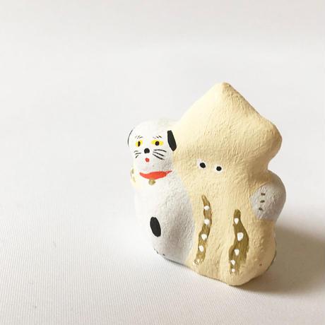 habotan / 肩組み犬イカ 土人形