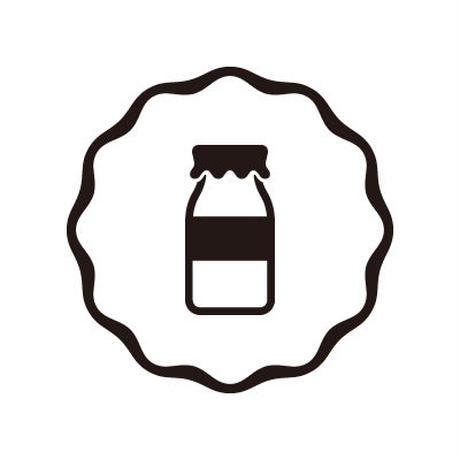 牛乳屋  /  異国のプードルちゃん