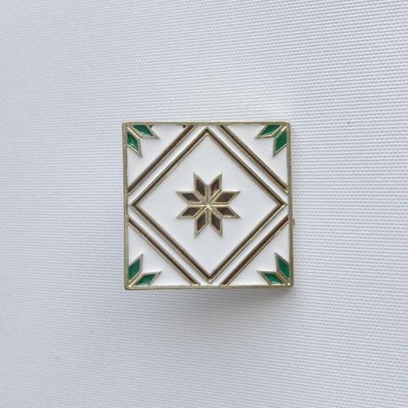 鉄窓花書房 tamazo /  台湾 マジョリカタイル PINS ピンバッジ4セット|A:白地花
