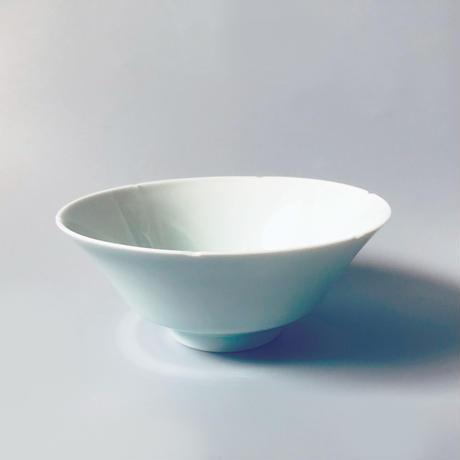 物色 / 青白磁 葵口碗