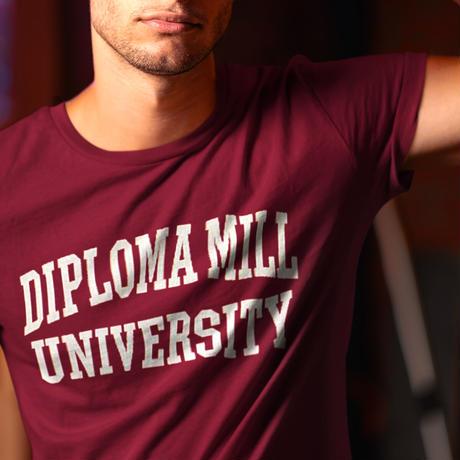 olo / ディプロマミル大学Tシャツ Diploma Mill University T-shirt