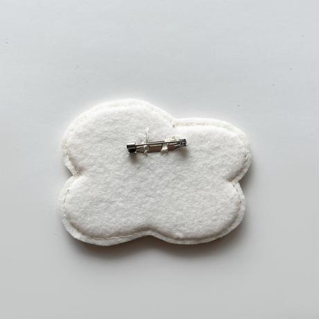 刺繍する犬 / 刺繍ブローチ  voice flower WHITE