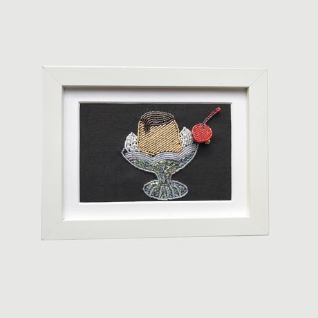 額ブち「クラシックプリン」 さくらんぼのブローチ + プリンの額 /吉丸睦 Mutsumi Yoshimaru