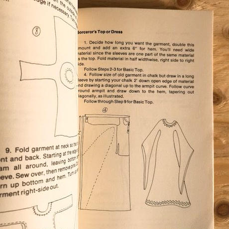 SHARON ROSENBERG AND JOAN WIENER   THE ILLUSTRATED HASSLE-FREE MAKE YOUR OWN CLOTHES BOOK