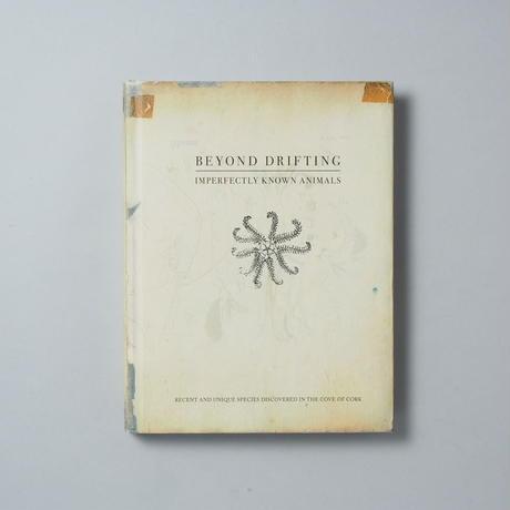 BEYOND DRIFTING : IMPERFECTLY KNOWN ANIMALS / マンディー・バーカー(Mandy Barker)