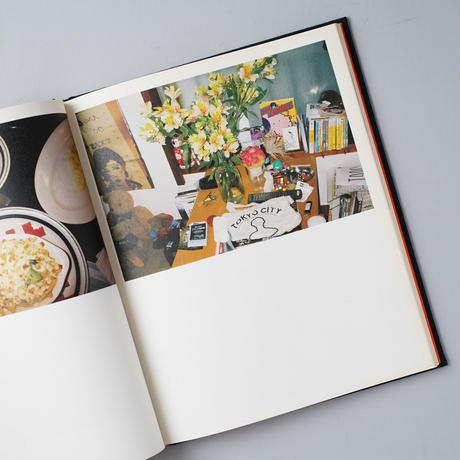 EVERYTHING IS TEMPORARY(すべてが一時的なものです) / 草野庸子(Yoko Kusano)
